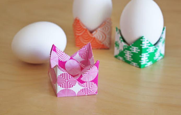 le papier fait de la r sistance un coquetier en origami. Black Bedroom Furniture Sets. Home Design Ideas